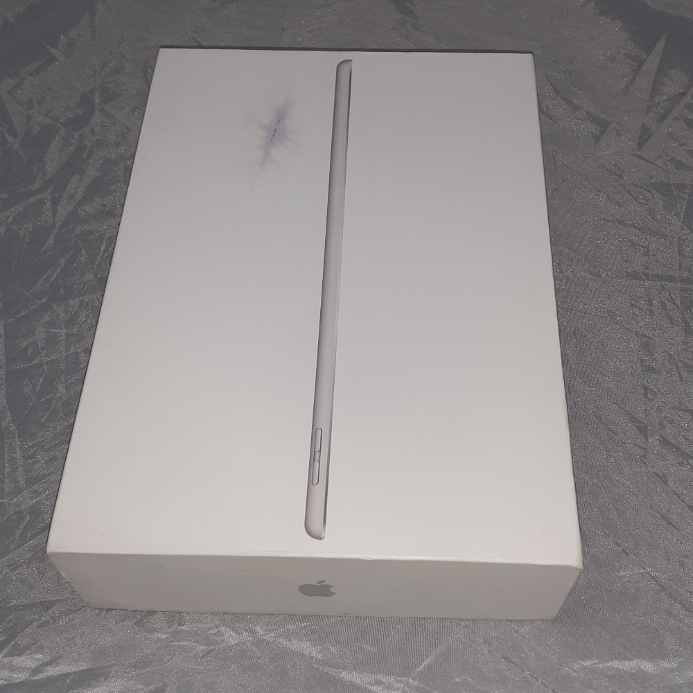 Product photo for Apple iPad 7th Gen 10.2