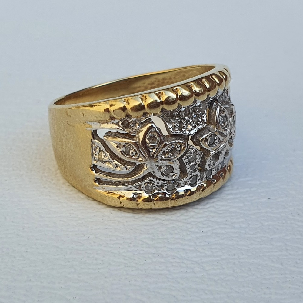Product photo for 5.57g 9ct Yellow Gold Wide Band Flowers Diamond Ring Size O-P
