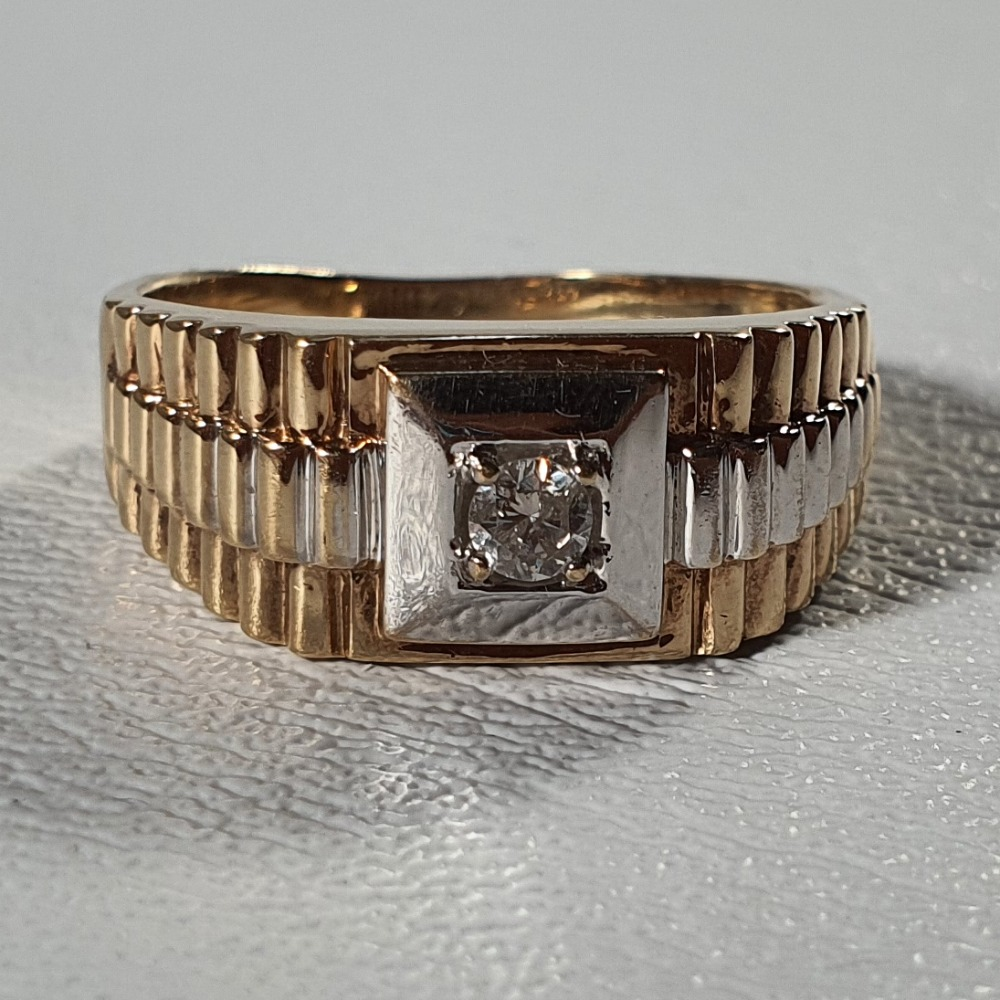 Product photo for 9ct Yellow Gold Rolex Style Diamond Gent's Ring Size W