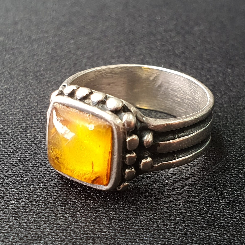Product photo for 4.52g Silver Amber Ring Size N