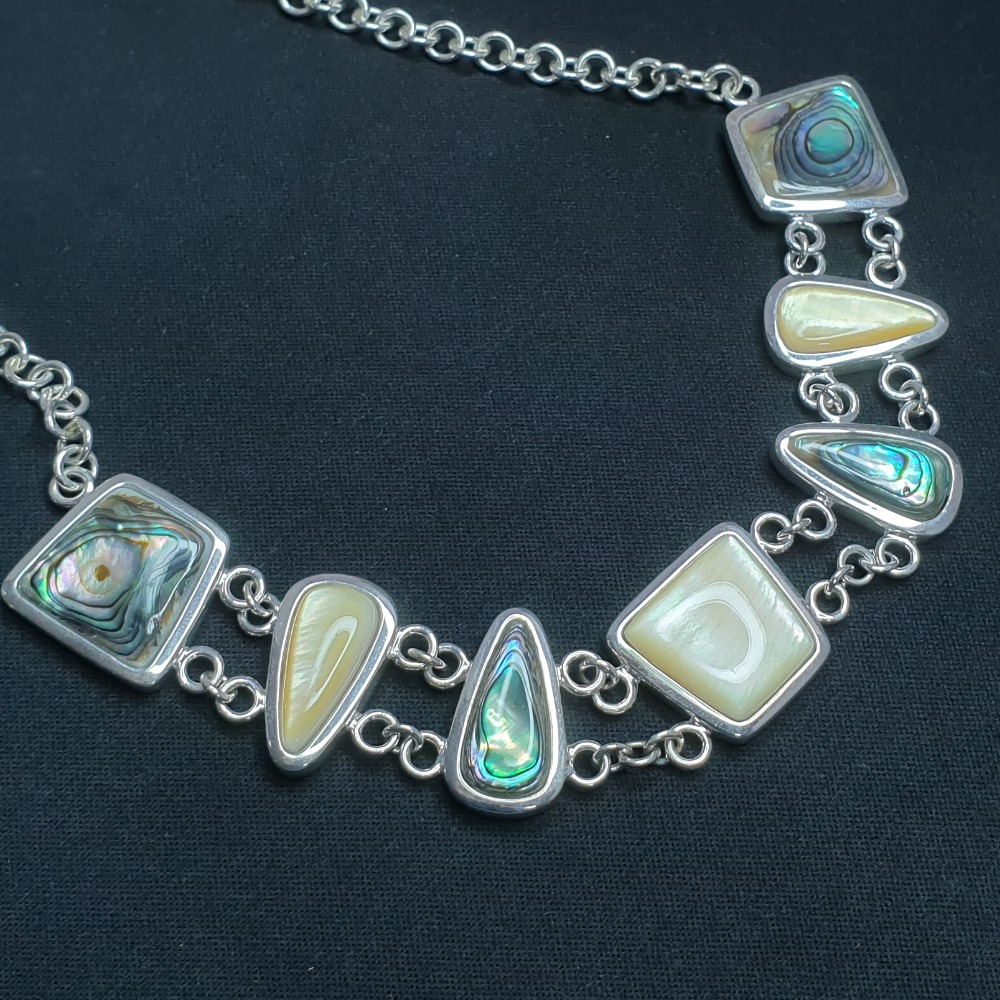 Product photo for Brand New silver 7 shell necklace