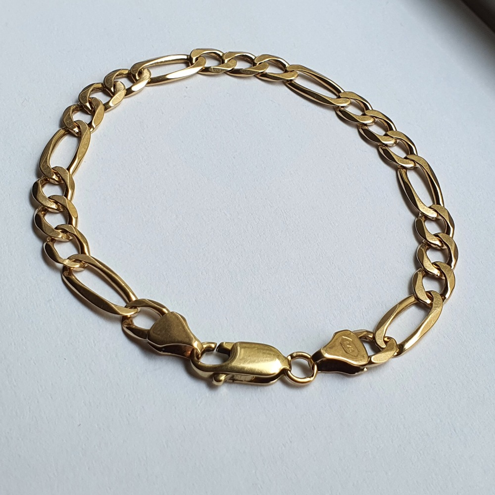 Product photo for 9ct Yellow Gold Figaro Bracelet 7.75 inch
