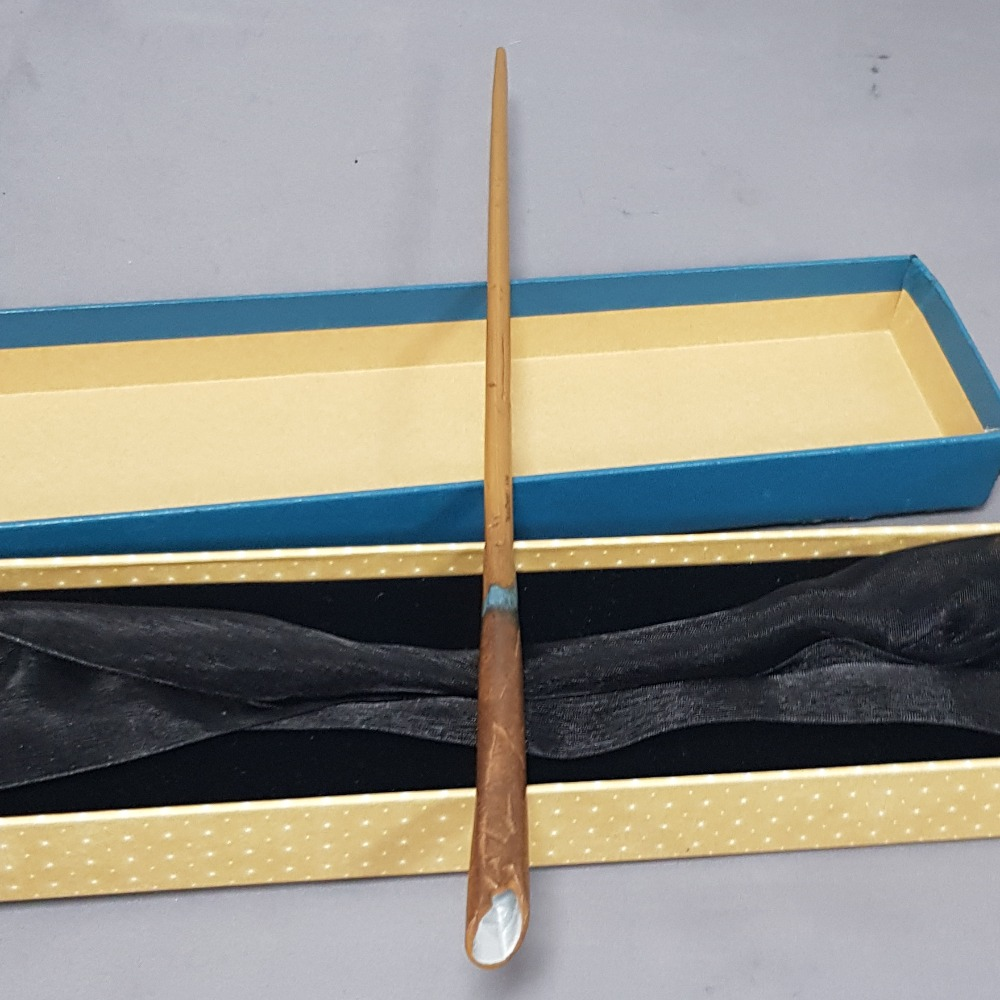 Product photo for Newt Scamander's Wand in Collector's Box