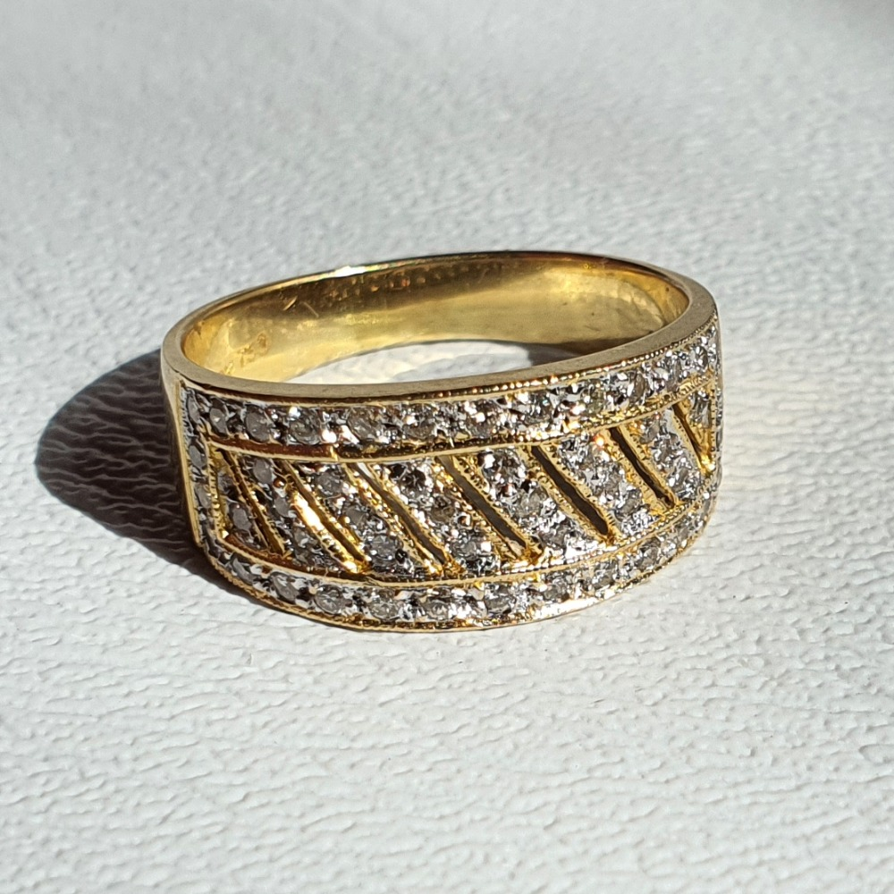 Product photo for 4.05g 18ct Yellow Diamonds Pave Cluster Ring Size M-M1/2 (x-rayed to be 18ct gold)