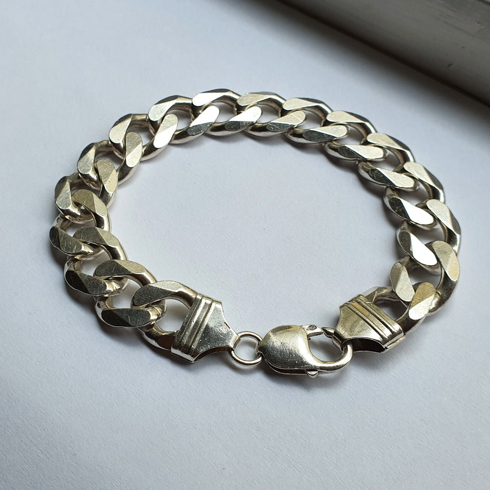 Product photo for 56.50g Silver Curb Bracelet 8.75 inch