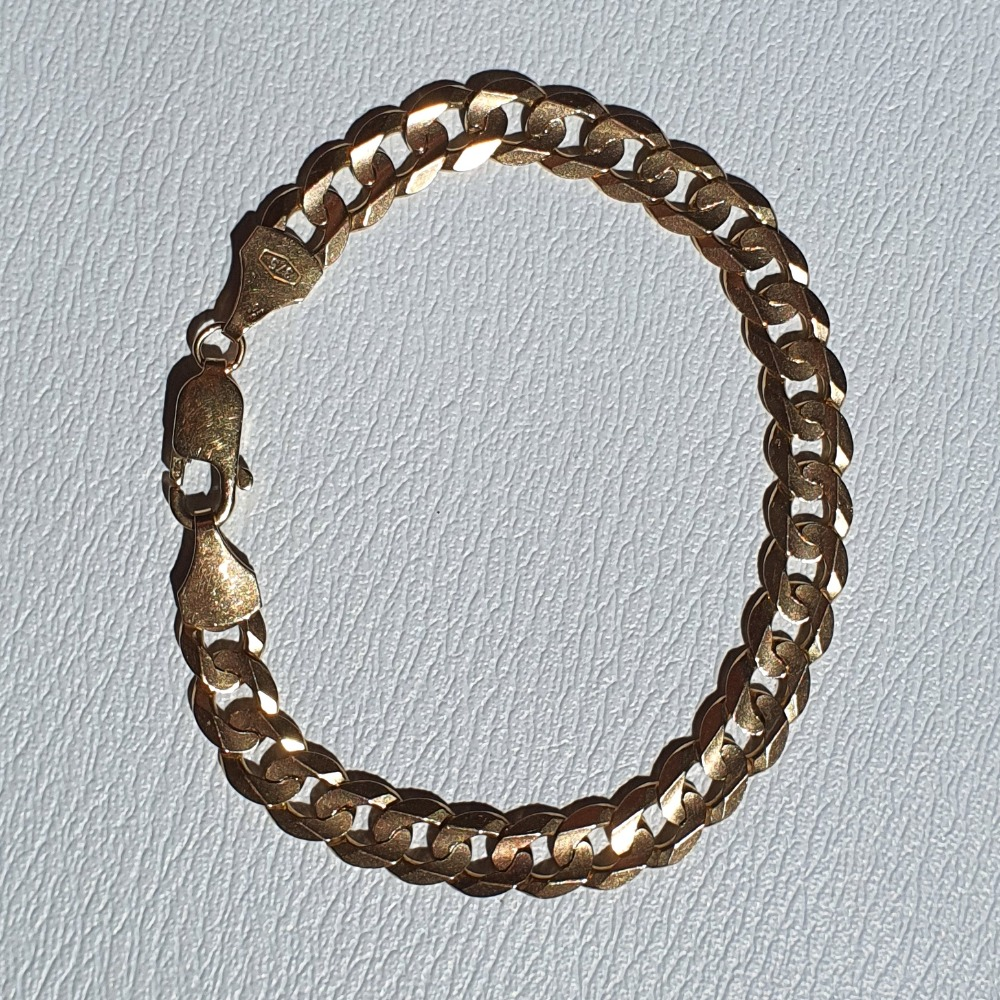 Product photo for 13.25g 9ct Yellow Gold Curb Bracelet 8 inches