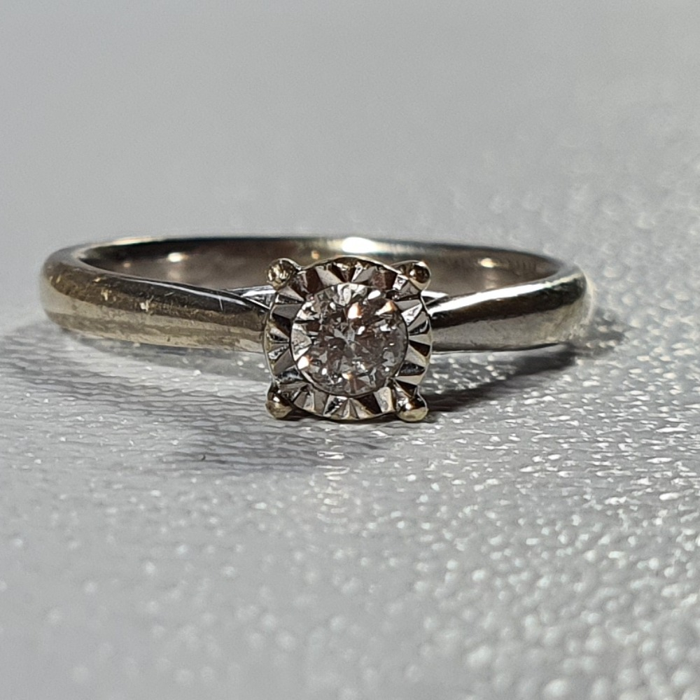 Product photo for 9ct White Gold 0.17ct Solitaire Diamond Engagement Ring Size K