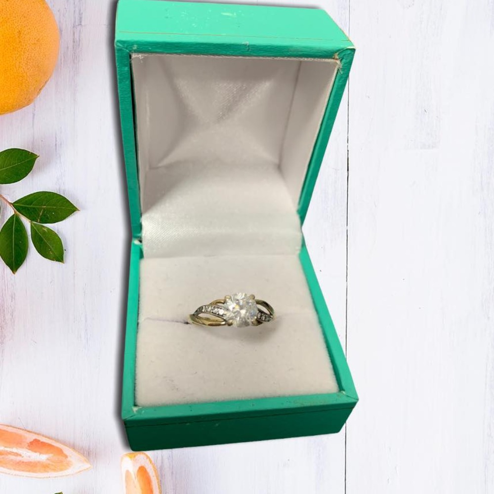 Product photo for 9ct Yellow Gold Cz Ring (Size L)
