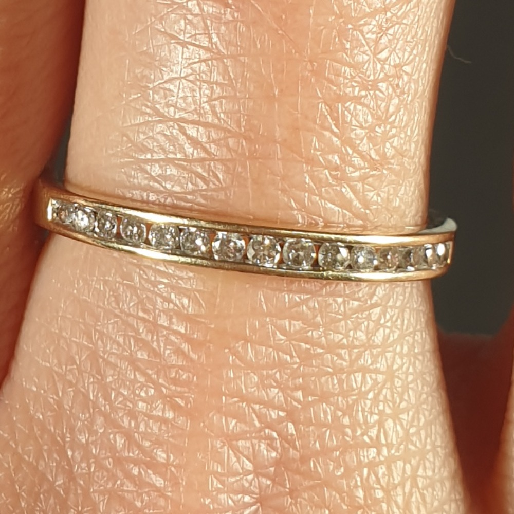 Product photo for 9ct Yellow Gold 15 Diamond Stacking Band Ring Size K1/2