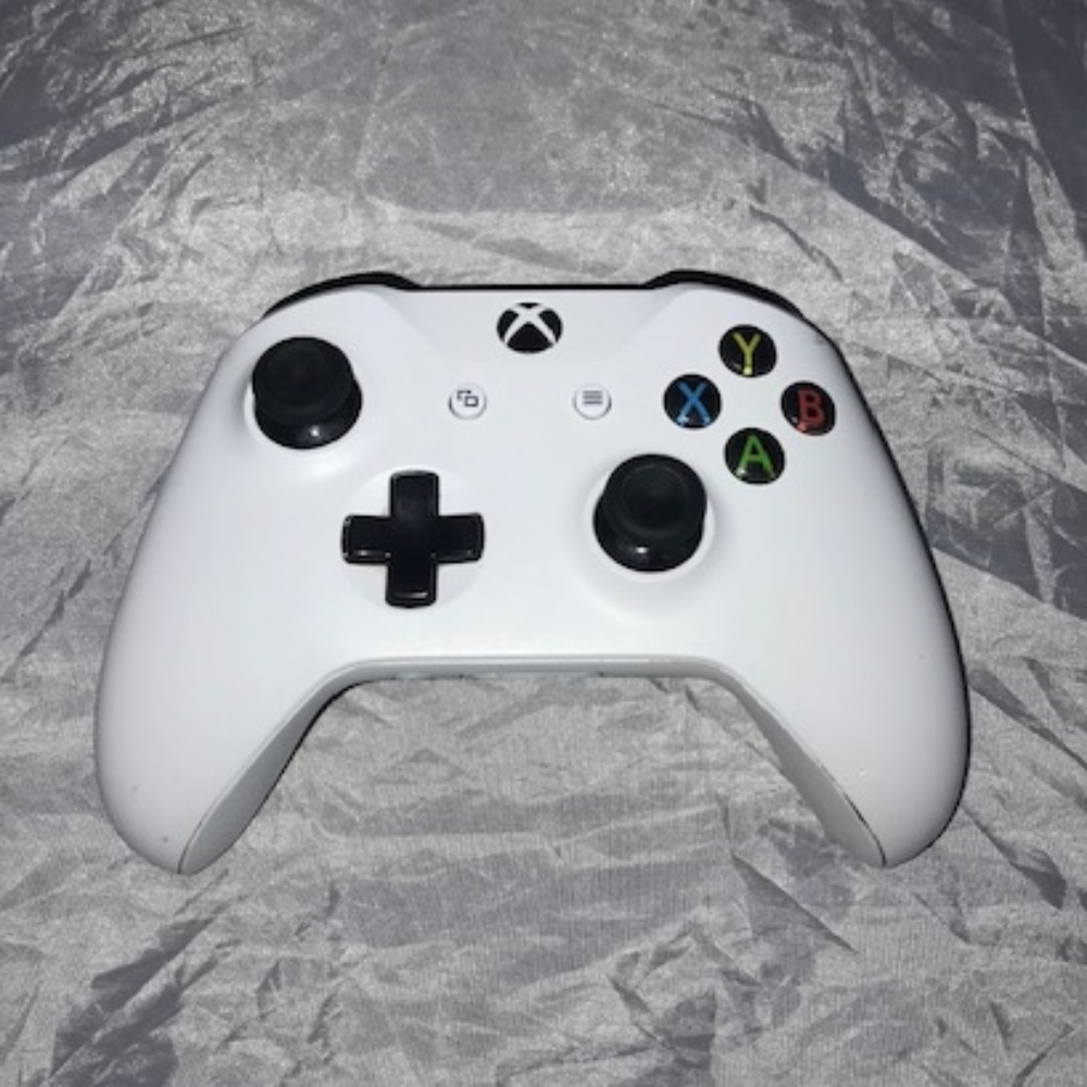 Product photo for Xbox One Wireless Controller (Unboxed)