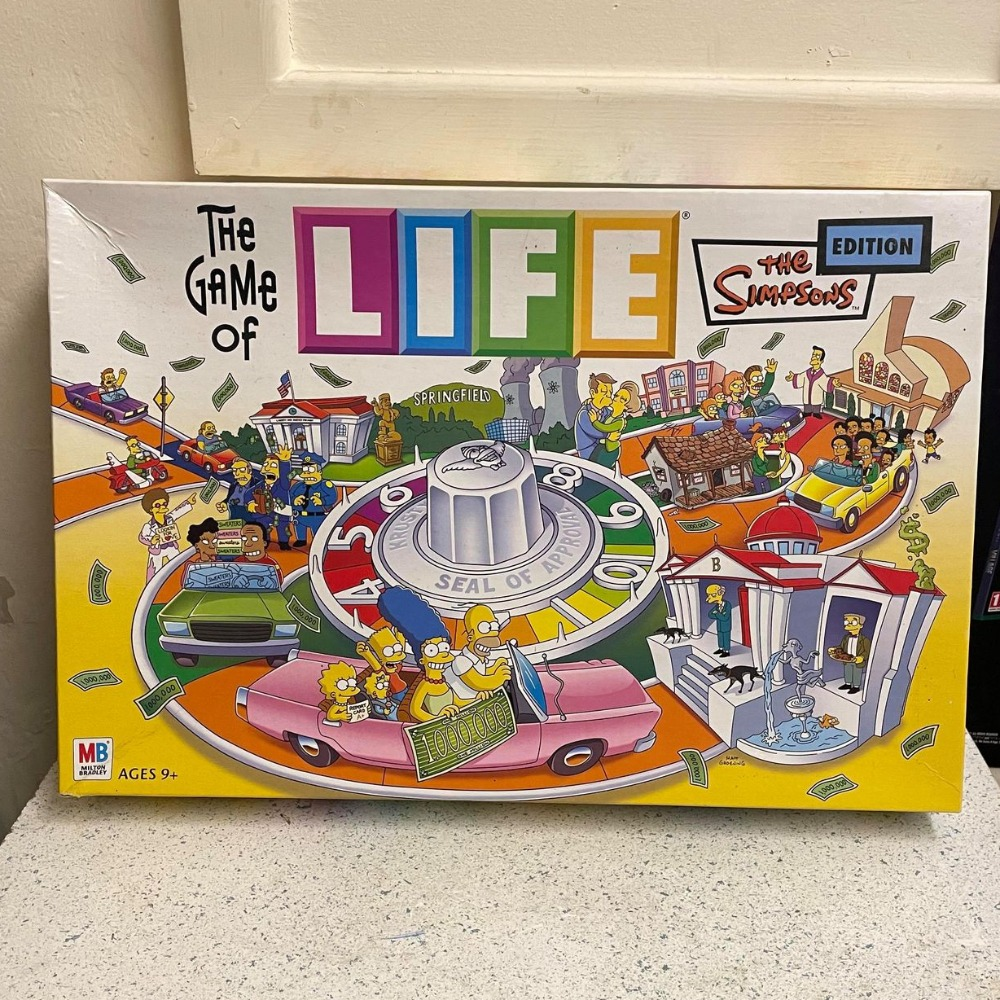 Product photo for Milton Bradley (MB) The Game of Life Simpsons Edition Board Game Milton Bradley 2004