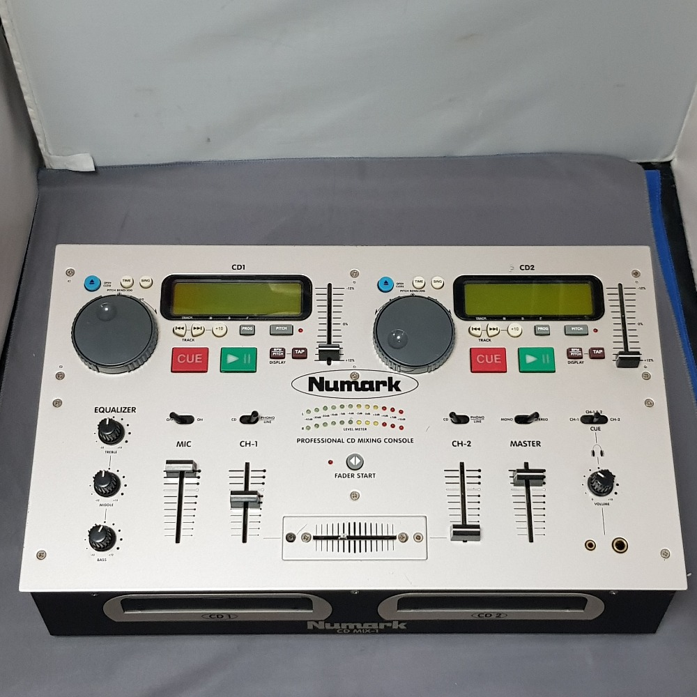 Product photo for Numark  Mix CD-1 - Dual CD player & Mixer