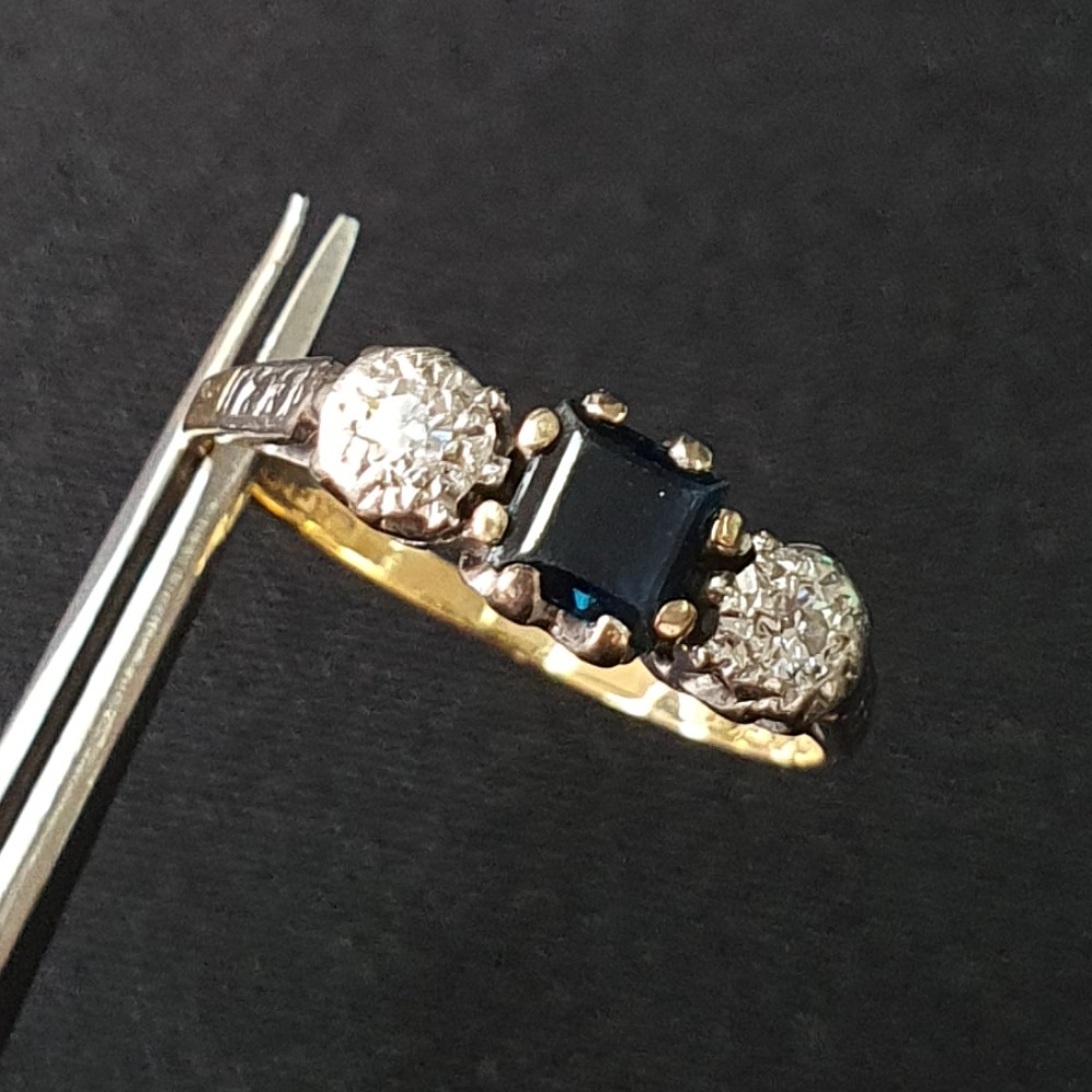Product photo for 18ct Yellow Gold & Platinum blue sapphire & diamond Vintage ring Size M1/2