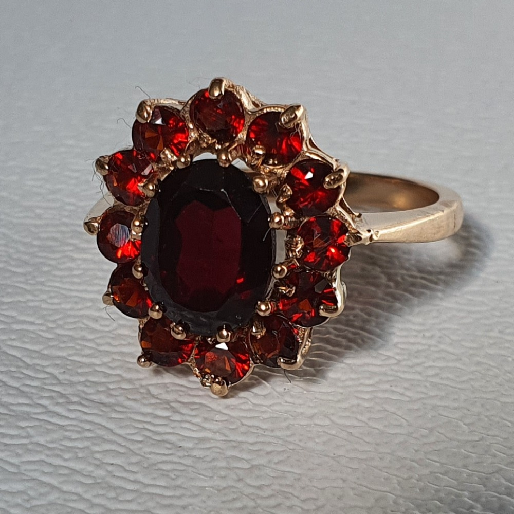 Product photo for 9ct Yellow Gold Garnet Cluster Ring Size M