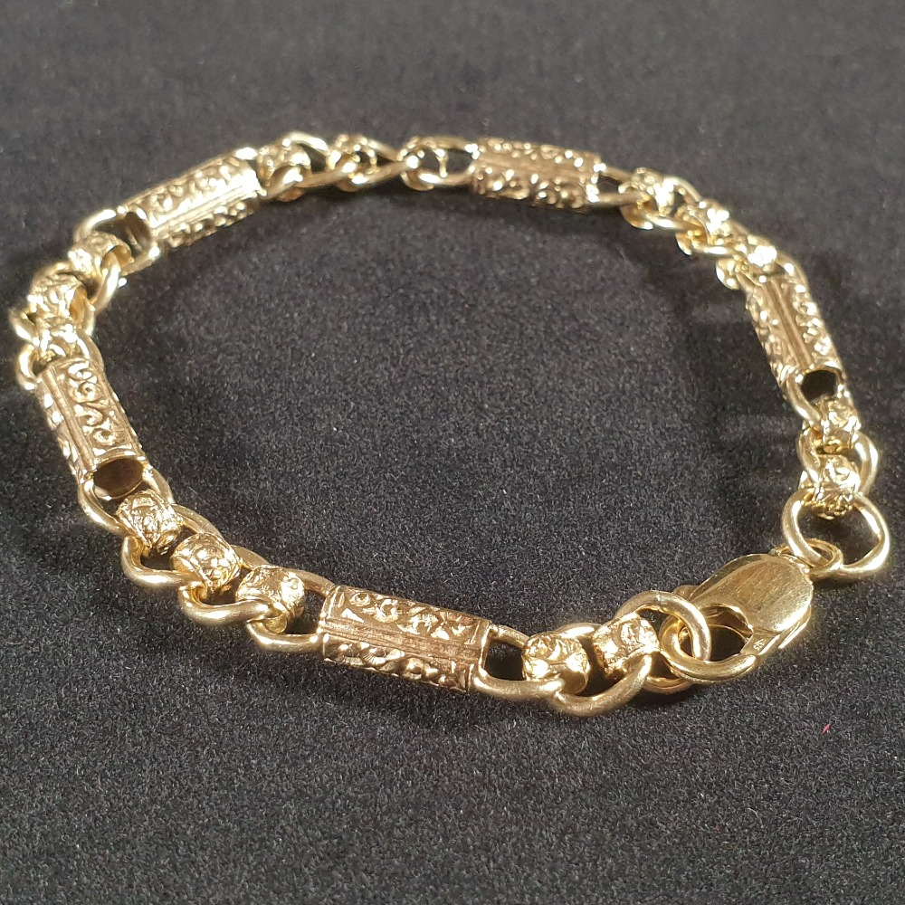 Product photo for Barrels & rollers with pattern 9ct yellow gold bracelet 18.10 grams 8