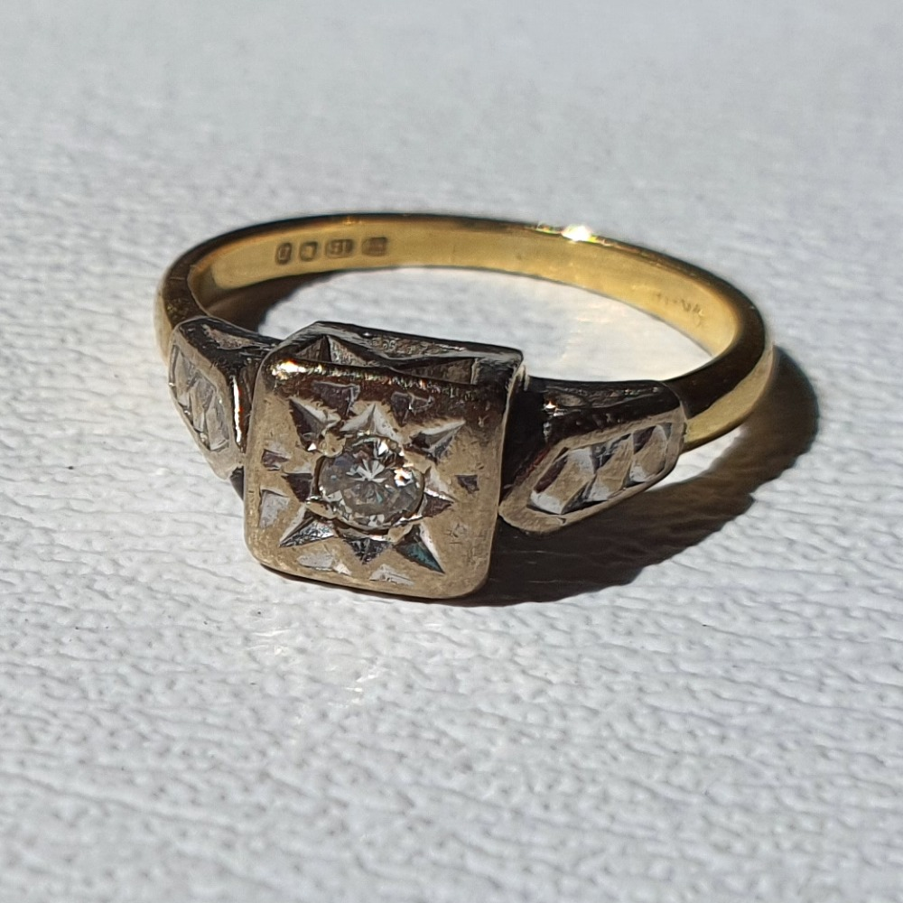 Product photo for Vintage 18ct Yellow Gold Diamond Engagement Ring Size H1/2