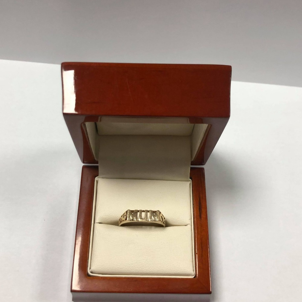 Product photo for 9ct Yellow Gold Mum Ring (Size N)