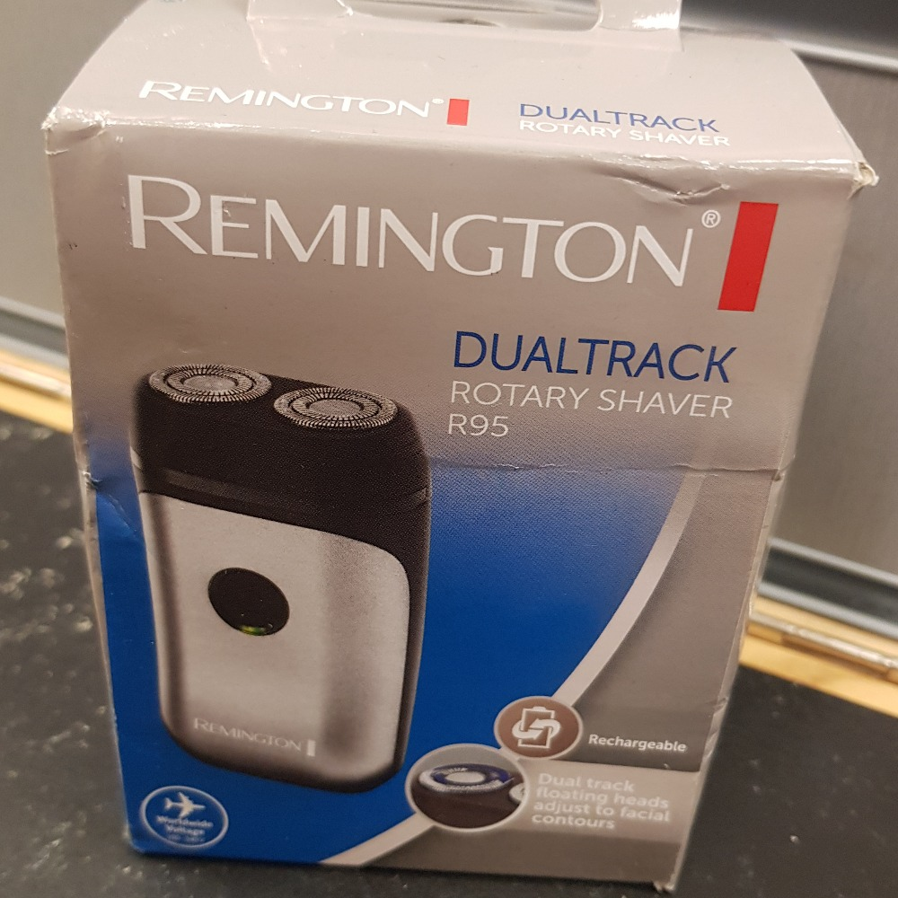 Product photo for Remington Dualtrack Rotary Shaver R95