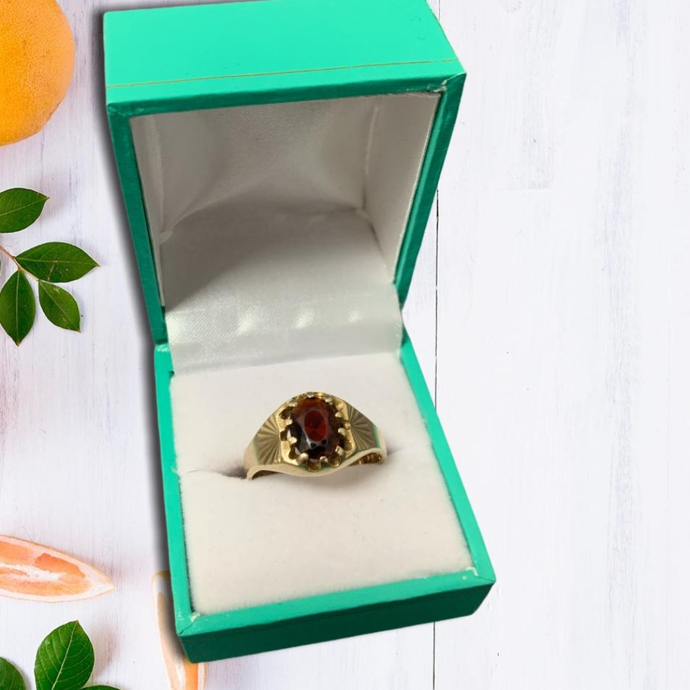 Product photo for 9ct Yellow Gold Ring with Red Stone (Size U)